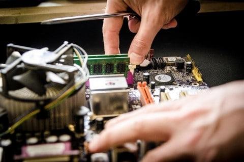 שימוש במערכות על פסק לשמירה על המחשב